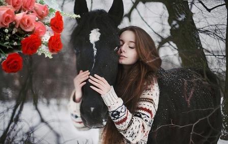 Подарок на 8 марта для любительницы лошадей