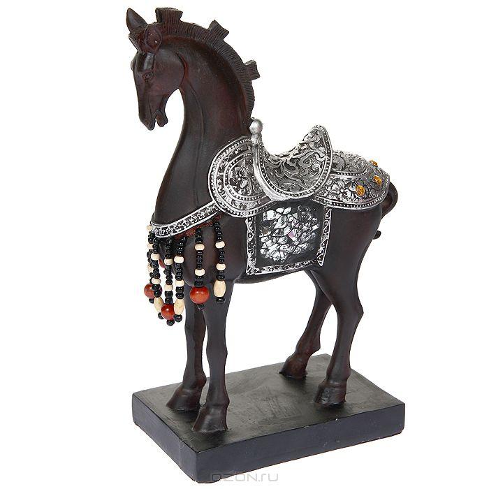 Статуэтка лошади на Новый Год